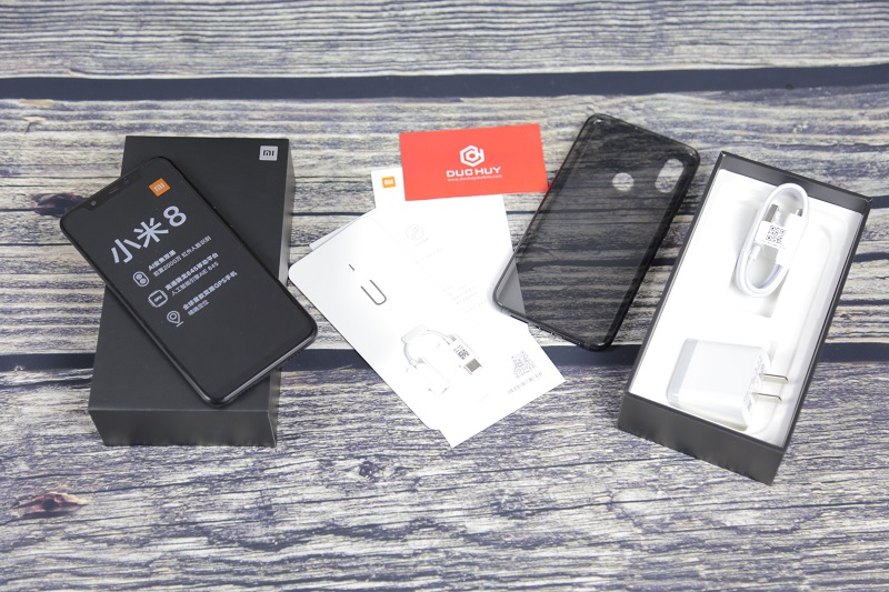 Xiaomi Mi8 giới thiệu