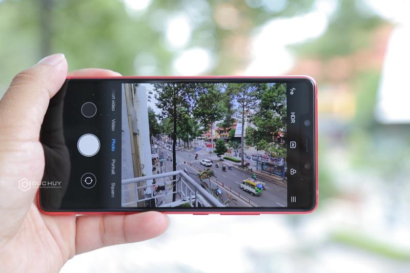 xiaomi mi8 se màu đỏ giao diện camera