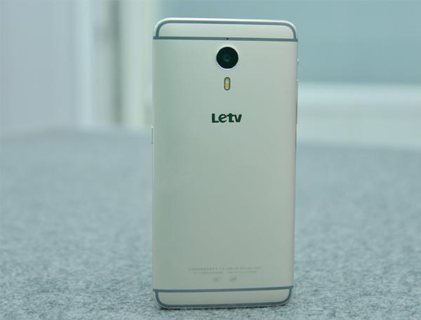 letv-le-one-pro-x800-thiet-ke-3