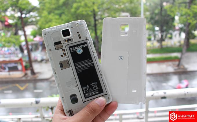 Galaxy Note 4 cũ và Xperia X 4