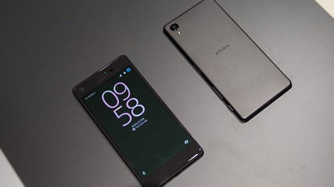Galaxy Note 4 cũ và Xperia X 6