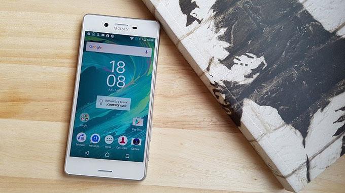 Galaxy Note 4 cũ và Xperia X 5