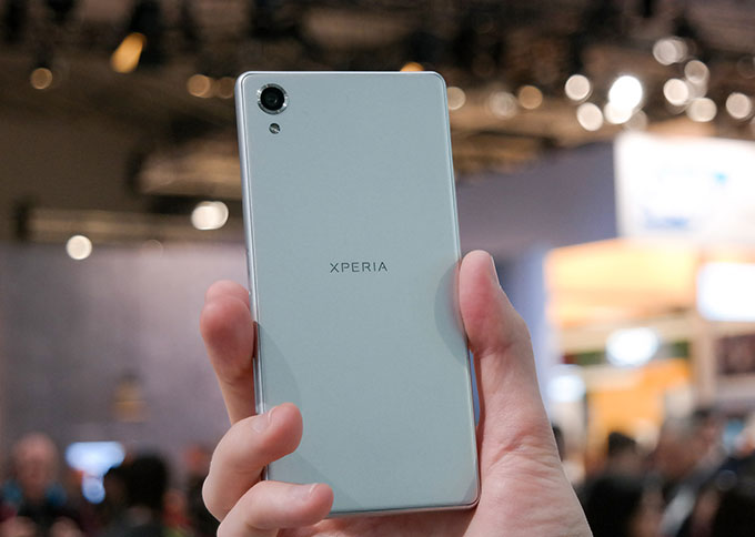 Galaxy Note 4 cũ và Xperia X 7