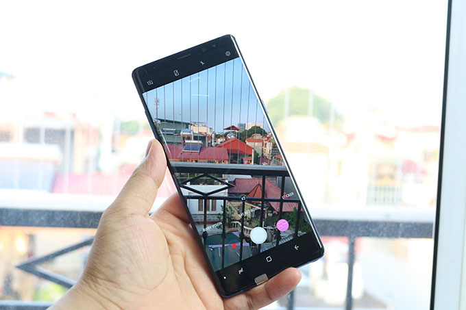 so sánh Samsung Galaxy Note 8 Mỹ và Hàn
