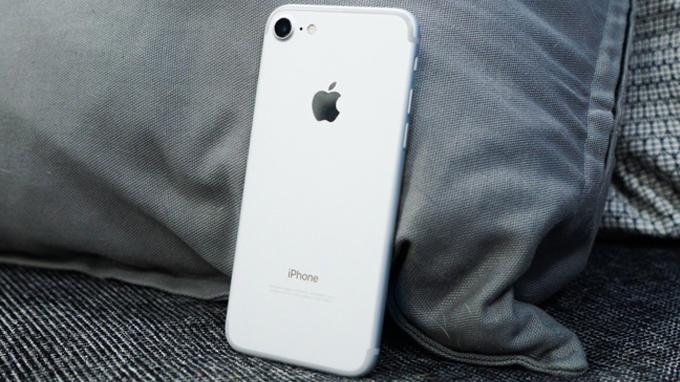 gia-ban-iphone-7-32gb-fpt-chinh-hang-duchuymobile
