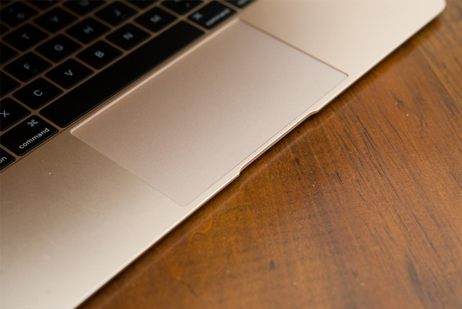 the-new-macbook-11ghz-mk4m2-gold-tren-tay-danh-gia-12