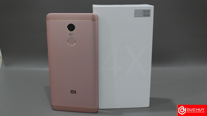mat-lung-xiaomi-redmi-note-4x-duchuymobile
