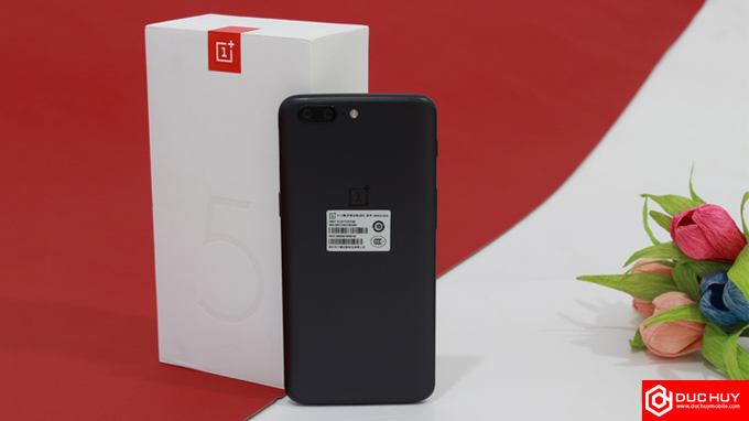 iphone-7-plus-128gb-chua-active-co-du-suc-danh-bai-oneplus-5-duchuymobile