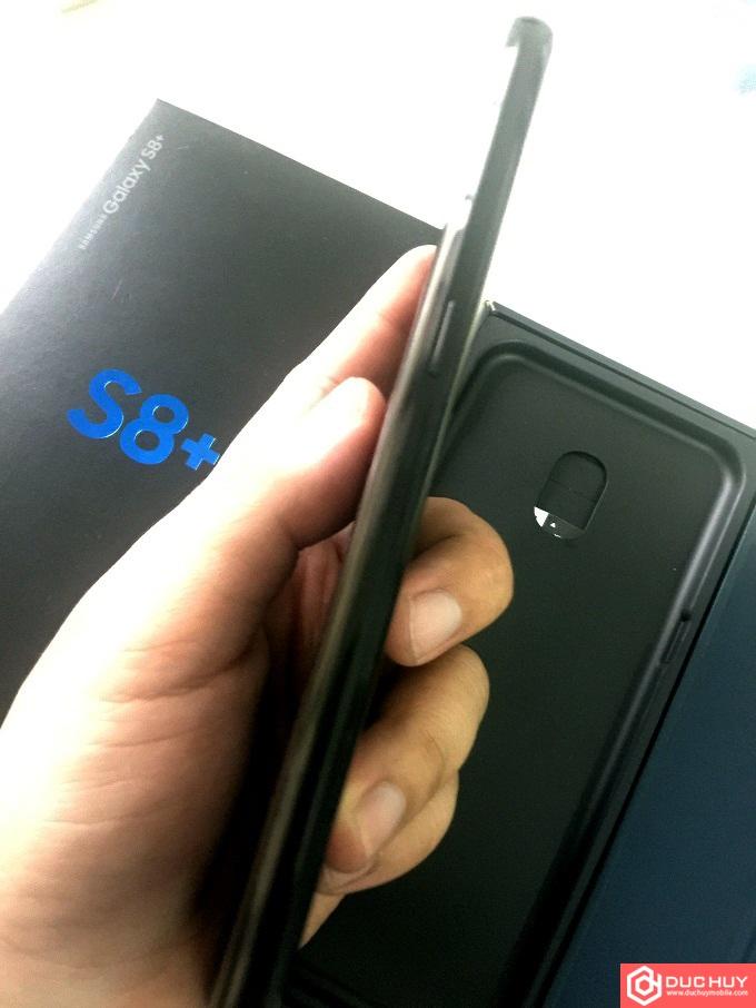 Samsung-Galaxy-S8-Plus-RAM-6GB-canh-phai