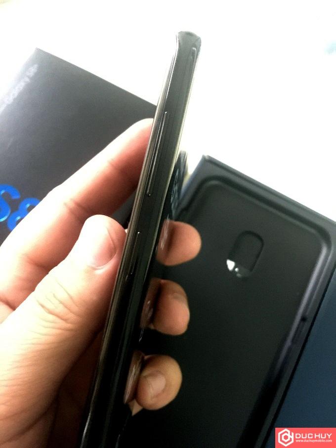 Samsung-Galaxy-S8-Plus-RAM-6GB-canh-trai