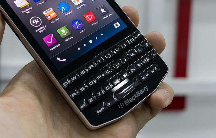 blackberry-porsche-design-p9983-bat-ngo-giam-50-gia-ban-duchuymobilecom-5