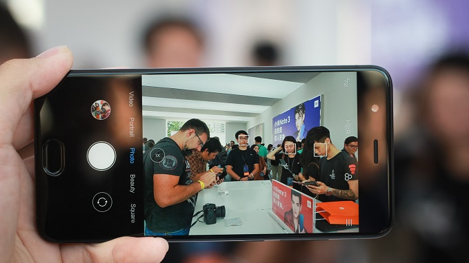 Xiaomi Mi Note 3 lên kệ với giá 9,9 triệu, có nên mua? - 205881