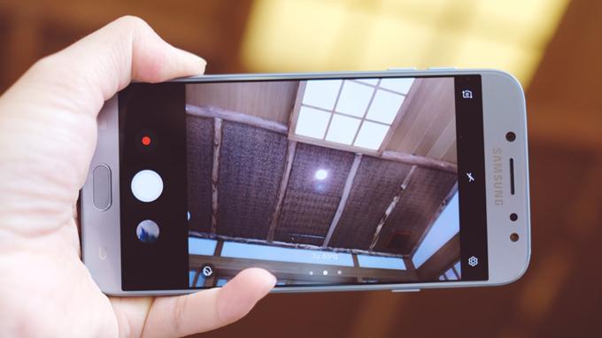 camera-samsung-galaxy-j7-pro-duchuymobile