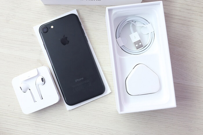 hop-iphone-7-lock-va-quoc-te-duchuymobilecom