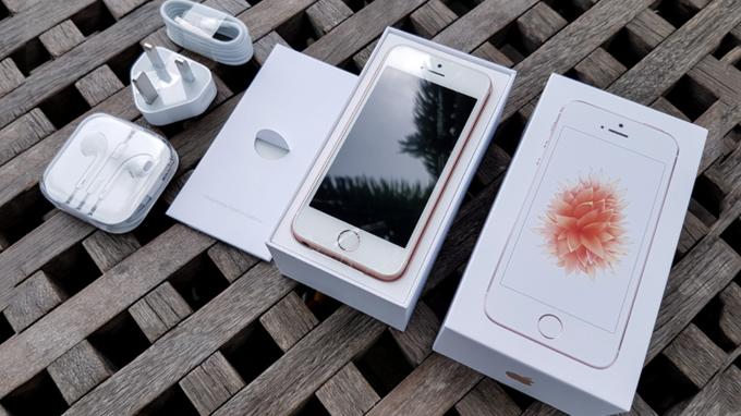 iphone-se-16gb-troi-bao-hanh-fullbox-gia-re-duchuymobile