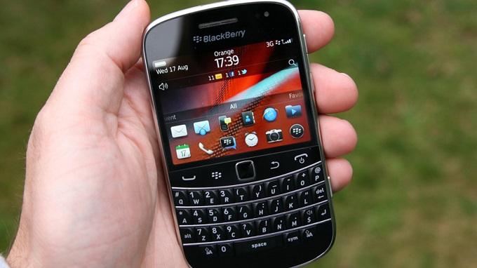 man-hinh-blackberry-9900-bold-duchuymobile