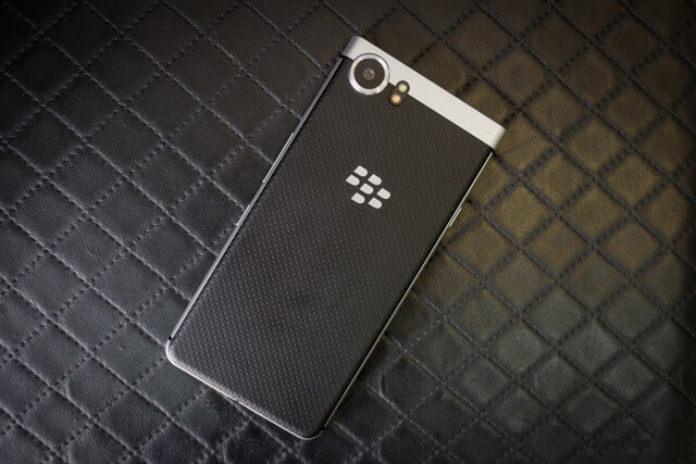 mat-sau-blackberry-keyone-duchuymobile