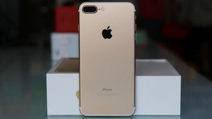 mat-sau-iphone-7-plus-32gb-quoc-te-duchuymobile