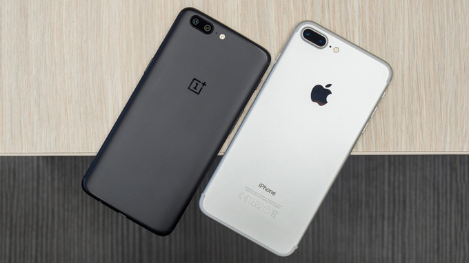 oneplus-5-vs-iphone-7-plus-duchuymobile