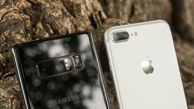 so-sanh-galaxy-note-8-iphone-7-plus-duchuymobile