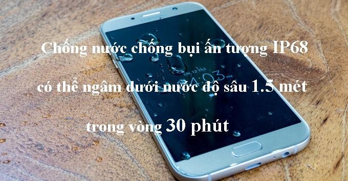 tinh-nang-chong-nuoc-samsung-galaxy-a7-2017-duchuymobile