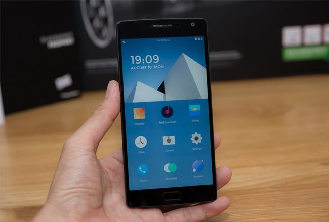 top-5-smartphone-ram-lon-rom-64gb-rinh-ngay-ve-nha-duchuymobilecom-1