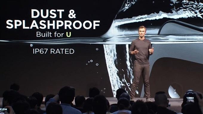 HTC U11 chống nước IP67