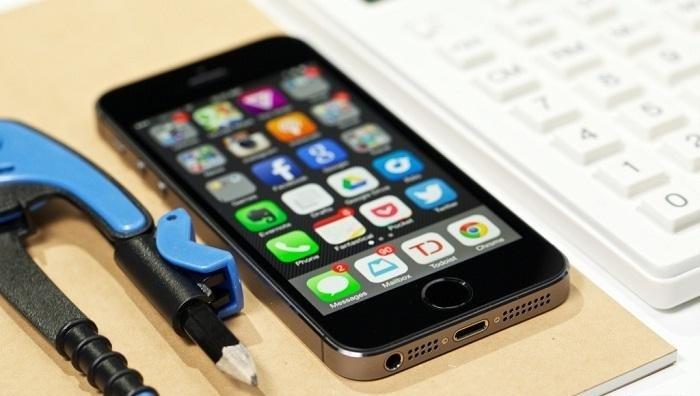 iphone-5s-co-kich-thuoc-vua-van-cho-phai-nu
