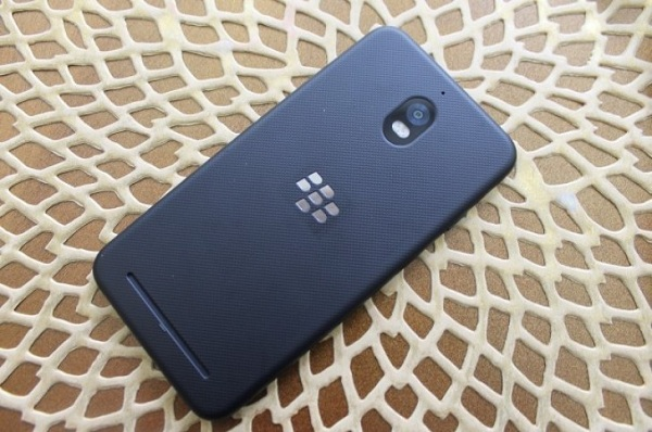 Mặt Sau BlackBerry Aurora
