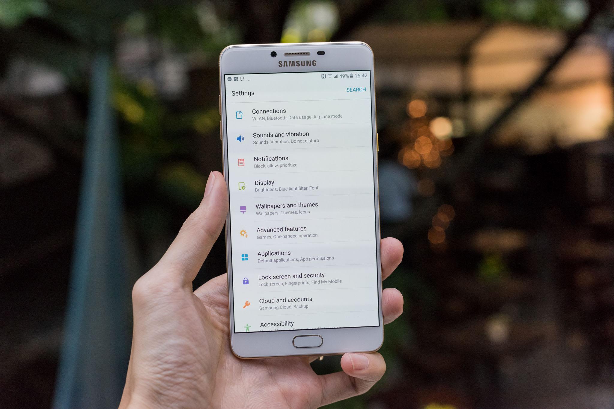 Tắt ứng dụng ngầm Samsung Galaxy C9 Pro