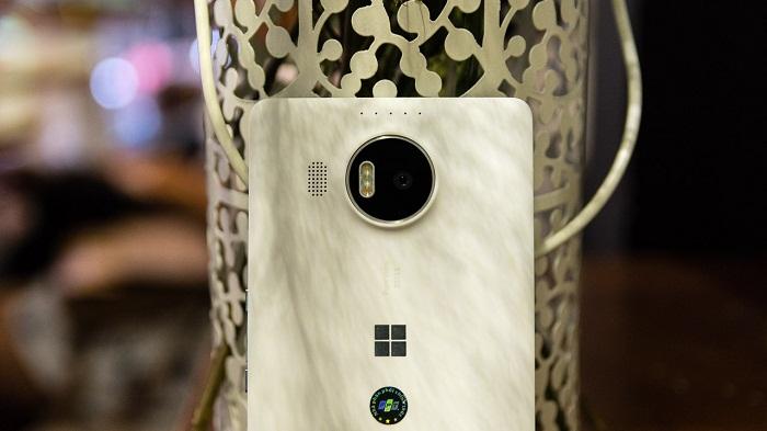 Giá Microsoft Lumia 950 XL