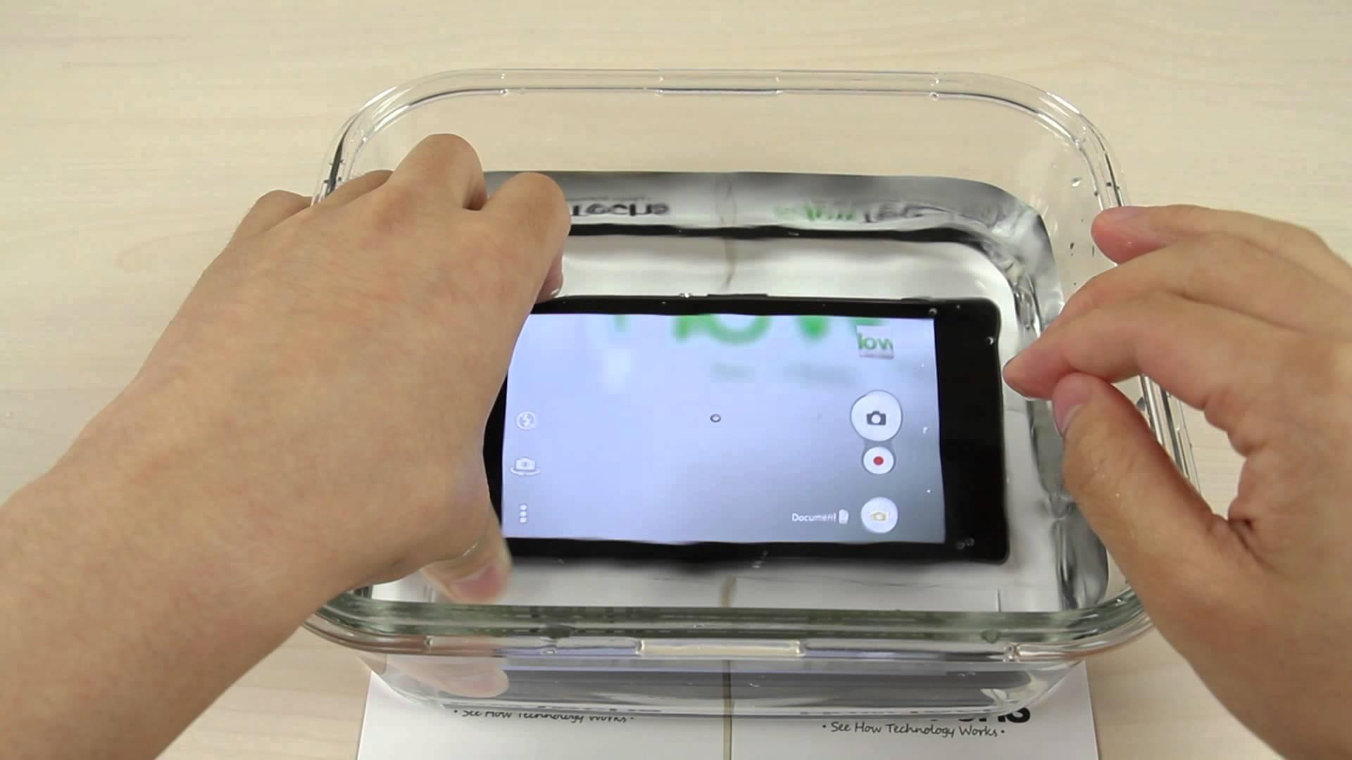 So sánh Sony Xperia Z1 Docomo với Z1 quốc tế