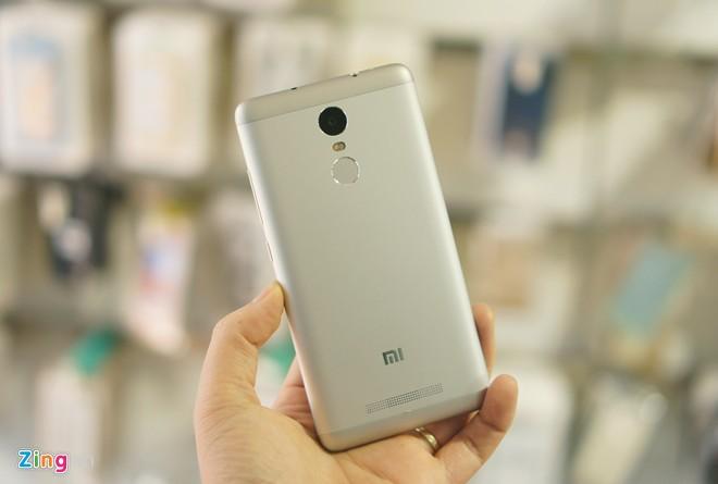 Trên tay Xiaomi Redmi Note 3 Pro 1