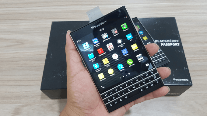 ban-phim-blackberry-passport-duchuymobile