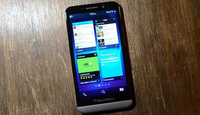 danh-gia-hieu-nang-blackberry-z30-gia-re-duchuymobile