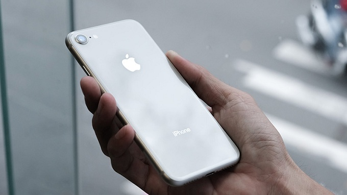 iphone-8-lock-xach-tay-nhat-my-cu-moi-gia-bao-nhieu-duchuymobile