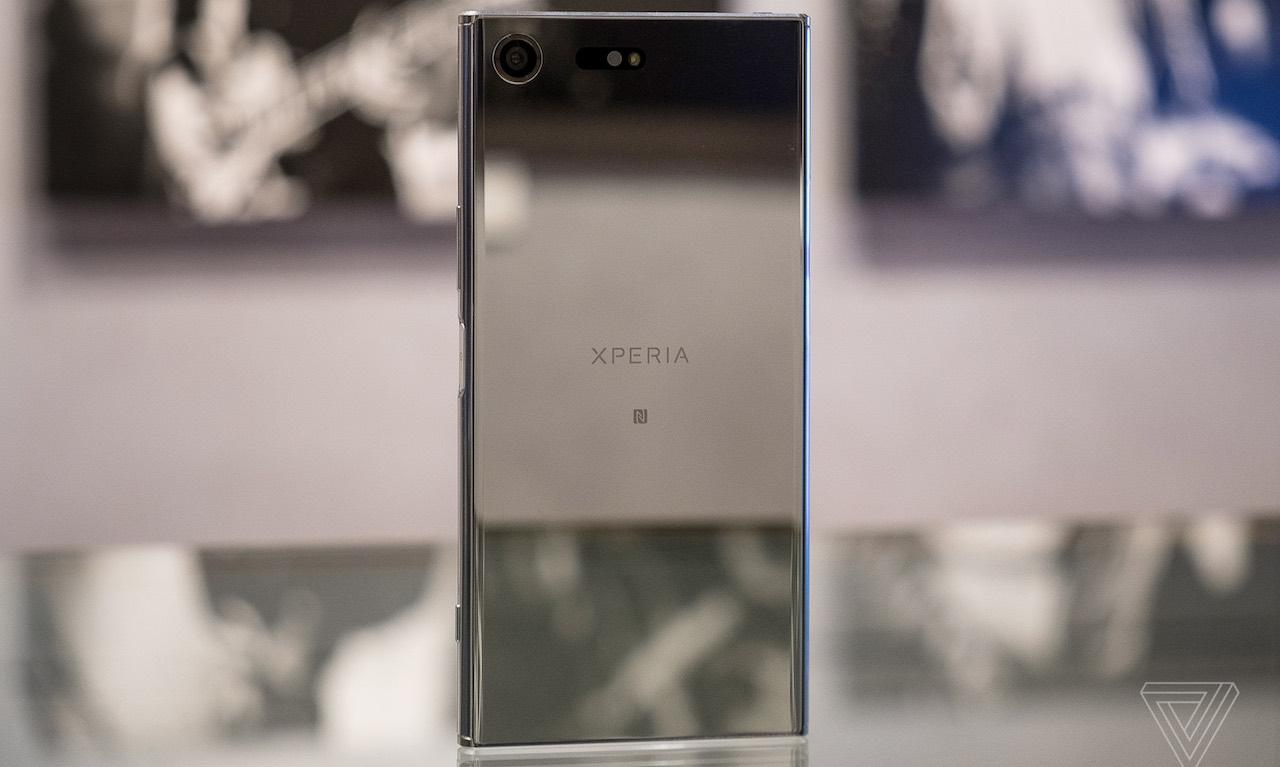 sony-xperia-xz-premium-ra-mat-man-hinh-4k-snapdragon-835-ram-4gb-duchuymobile-1