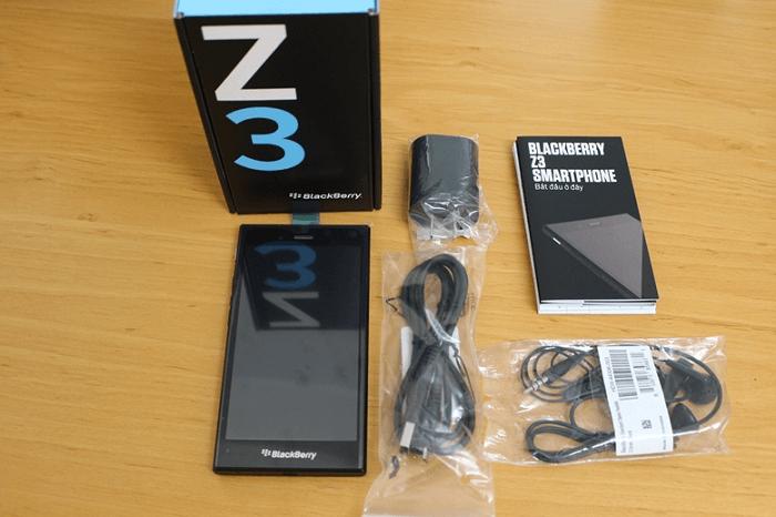 blackberry-z3-fullbox-gia-re-duchuymobile