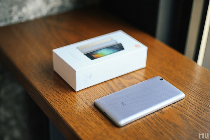 Đập hộp Xiaomi Redmi 3