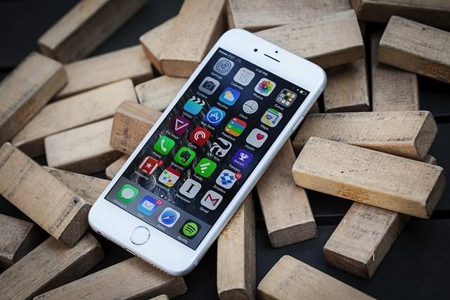 iPhone 6S loạn giá