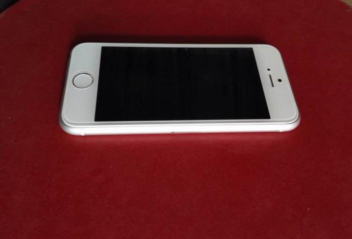 iPhone 6C 1
