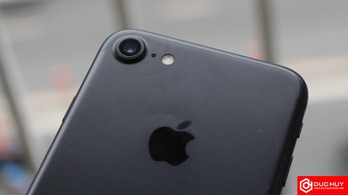 camera-iphone-7-lock-duchuymobile