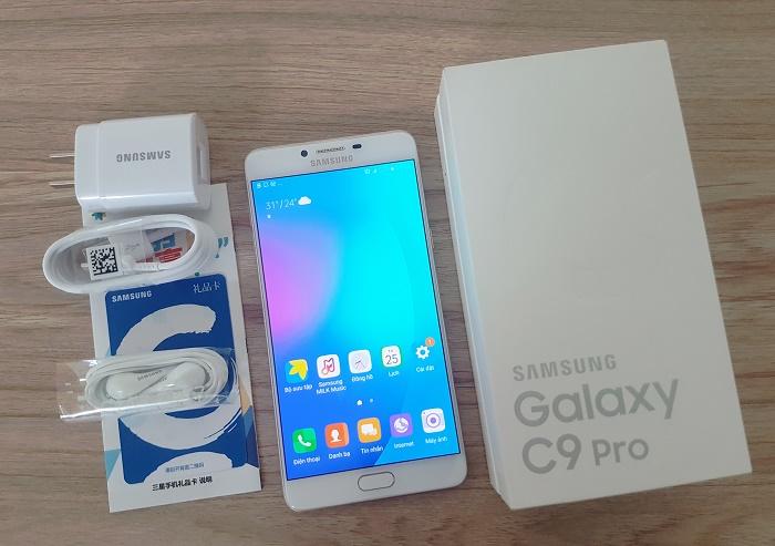 giá Samsung Galaxy C9 Pro