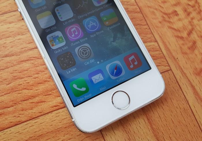 Bạn cần kiểm tra kĩ phần màn hình cảm ứng của chiếc iPhone cũ
