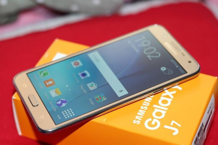 smartphoneRAM 3GB
