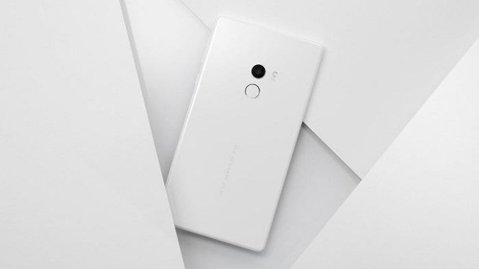 Trên tay Xiaomi Mi Mix phiên bản màu trắng vừa ra mắt