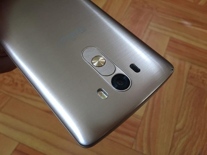Camera sau LG G3