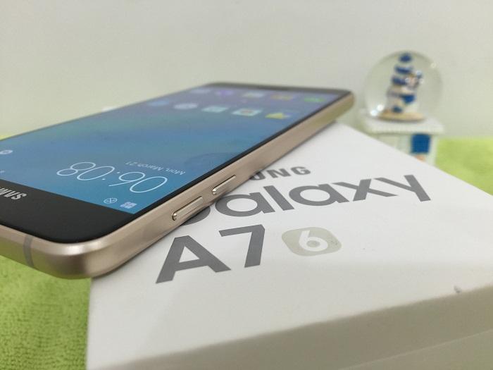 Cạnh trái Samsung Galaxy A7 2016