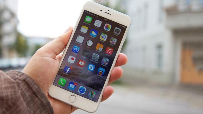 tren-tay-iphone-6-plus-lock-duchuymobile