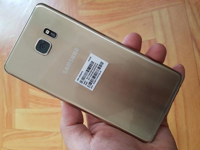 Samsung Galaxy Note 7 vừa lên kệ đã giảm giá